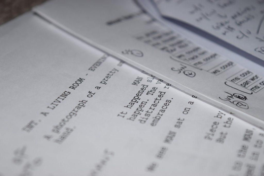 Imagen de la realización de un guion para vídeo